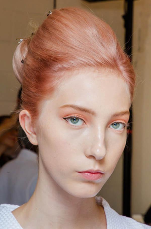 Коралловый цвет волос