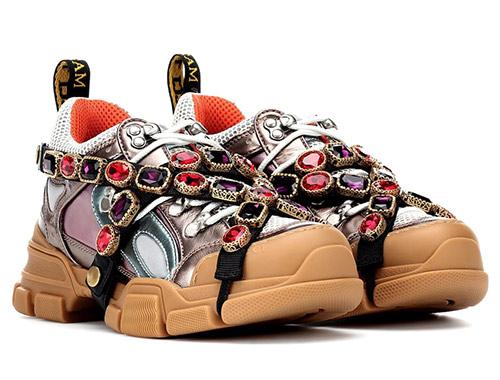 Женские кроссовки Gucci украшенные камнями 2020