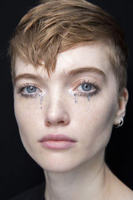 Как сделать слезы с помощью кристаллов