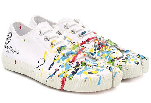 Белые кроссовки с абстрактным принтом от Maison Margiela SS 2020