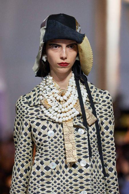 Украшения на шею в морском стиле. Prada