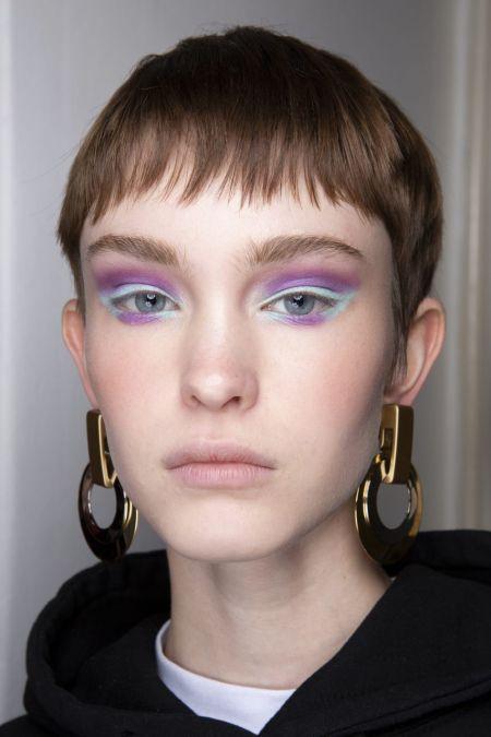 Макияж с лиловыми и голубыми тенями
