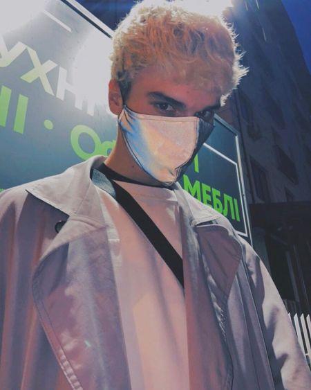 Рефлективная маска от Софии Русинович