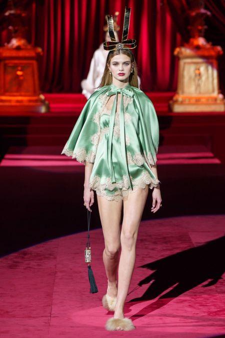 Бельевой стиль в коллекции Dolce&Gabbana - тренд 2020 года