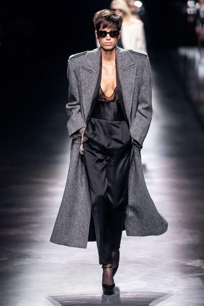 Серое пальто с широкими плечами и погонами Yves Saint Laurent