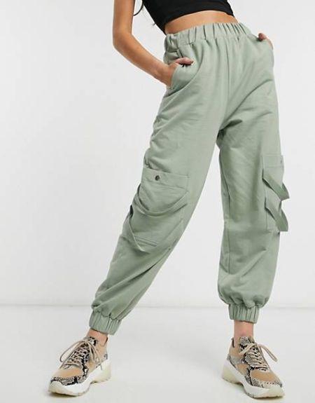 Функциональные спортивные штаны с карманами на резинке