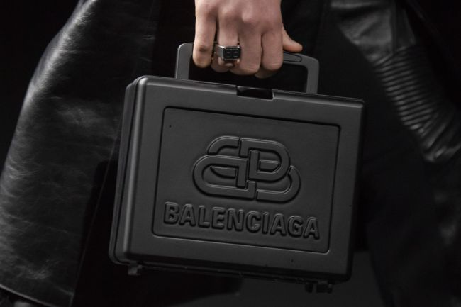 Модели сумок осень-зима 2020-2021 - box bag Balenciaga