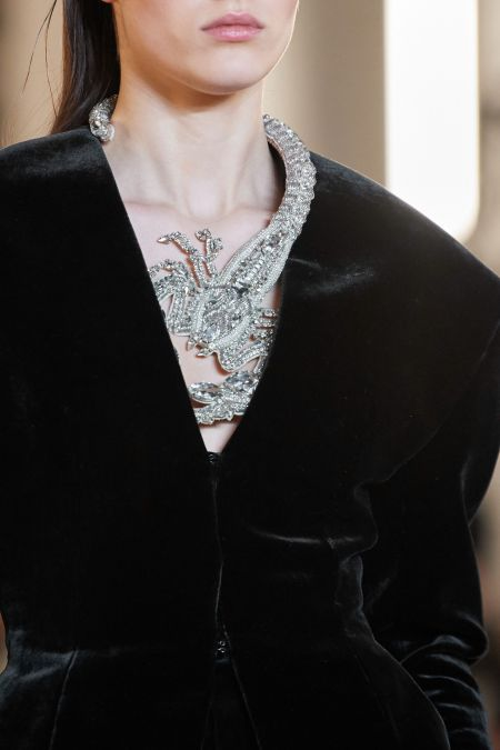 Ожерелье в виде скорпиона Balmain