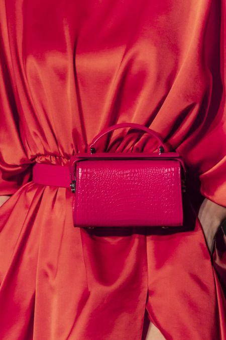 Поясная сумка-коробка из коллекции Brandon Maxwell