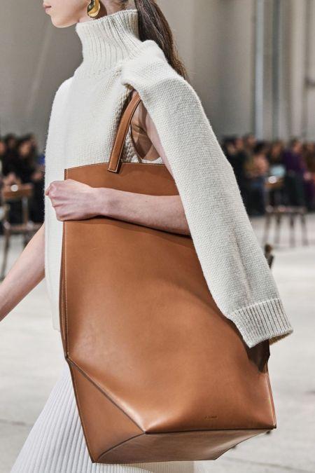 Объемная коричневая сумка с короткими ручками by Jil Sander