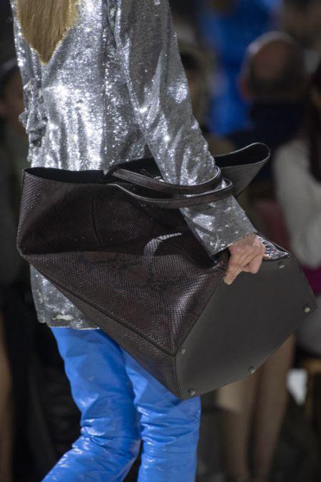 Большая сумка с короткими ручками под змеиную кожу Off-White