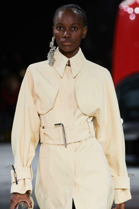 Модные серьги 2020 - одиночная серьга. Коллекция осень-зима 2020-2021 Off-White