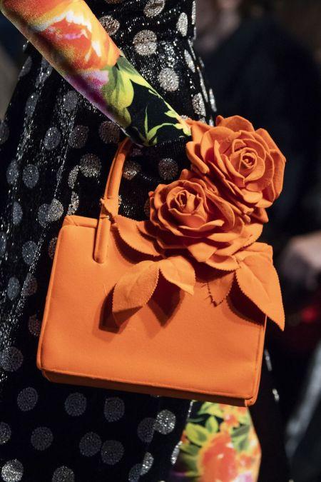 Оранжевая сумка с объемными розами Richard Quinn