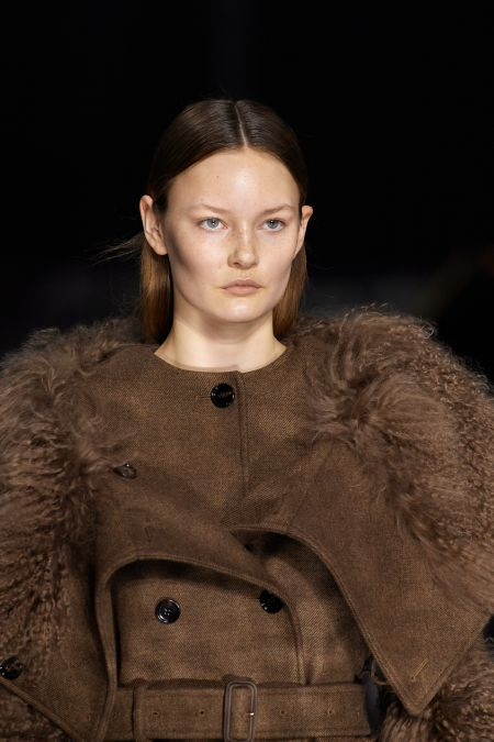 Отсутствие макияжа - главный тренд осенне-зимнего периода 2020-2021