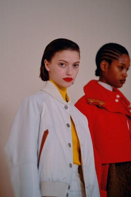 Модный цвет помады осень-зима 2020-2021 - красный