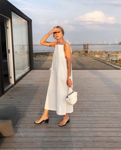 Платье А-образного силуэта