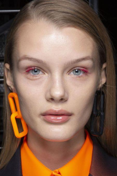 Цветная тушь для ресниц для модного осеннего макияжа