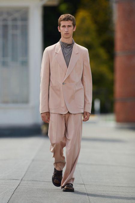 Деловой мужской костюм в стиле 80-х