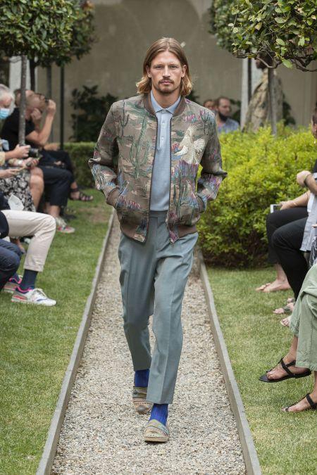 Куртка-бомбер - модный тренд мужской моды. Коллекция Etro