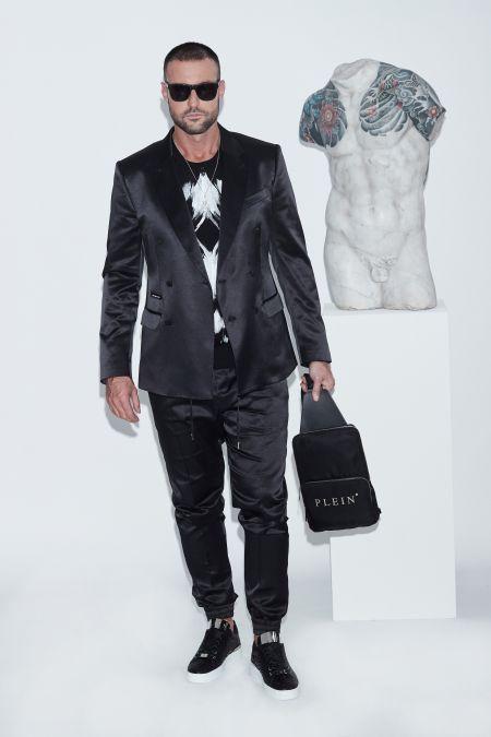 Атласный черный костюм из коллекции Philipp Plein