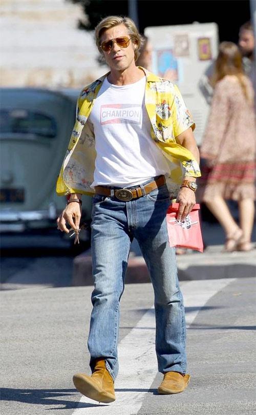 Бред Питт в джинсах
