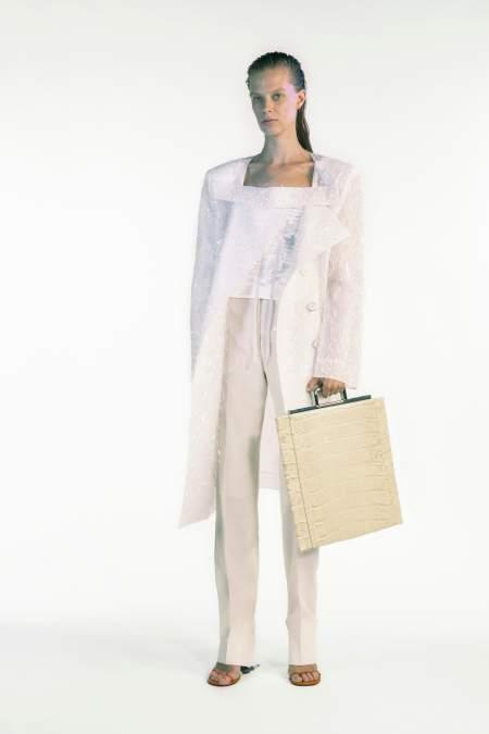 Прямоугольная светлая сумка с короткой ручкой Givenchy