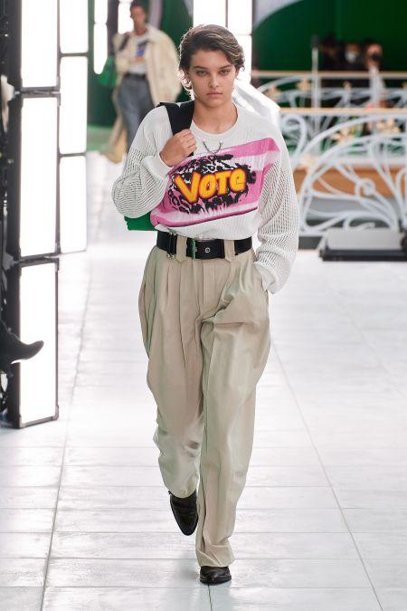 Свитшот с надписью vote из коллекции Louis Vuitton