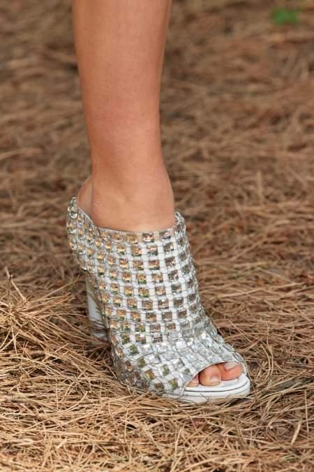 Мюли на каблуке с камнями Burberry