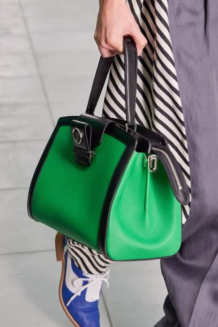 Сумка изумрудного цвета из коллекции Louis Vuitton