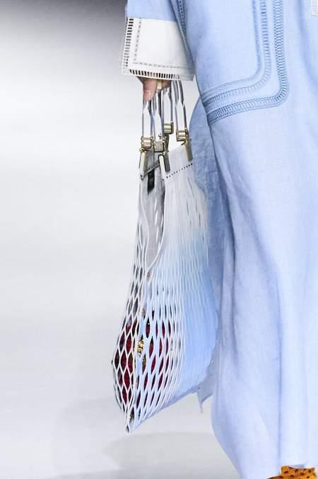 Голубая авоська из коллекции Fendi