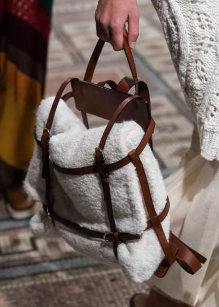 В моде рюкзаки любых фасонов и конфигураций