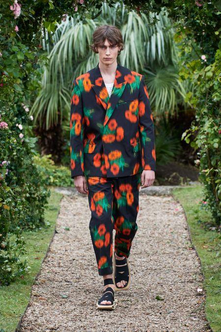 Мужской костюм с цветочным принтом Kenzo