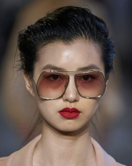 Макияж с красными губами. Коллекция весна-лето Max Mara