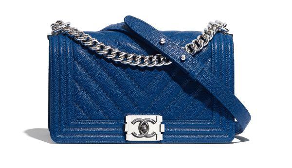 Синяя сумка c узором елочка Chanel Boy