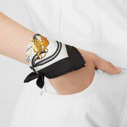 Шейный платок Hermès оригинальный вместо браслета