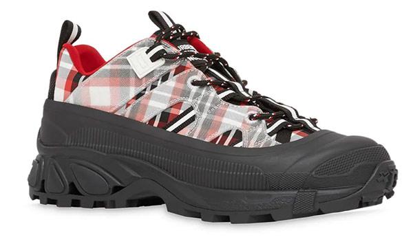 Женские кроссовки на толстой подошве Burberry, модель Arthur SS 2021