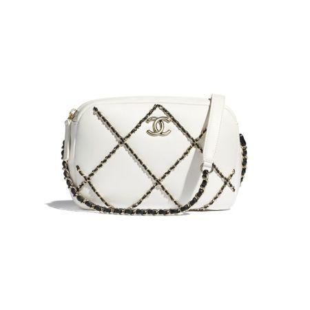 Белая сумка с цепочками Chanel Camera Case