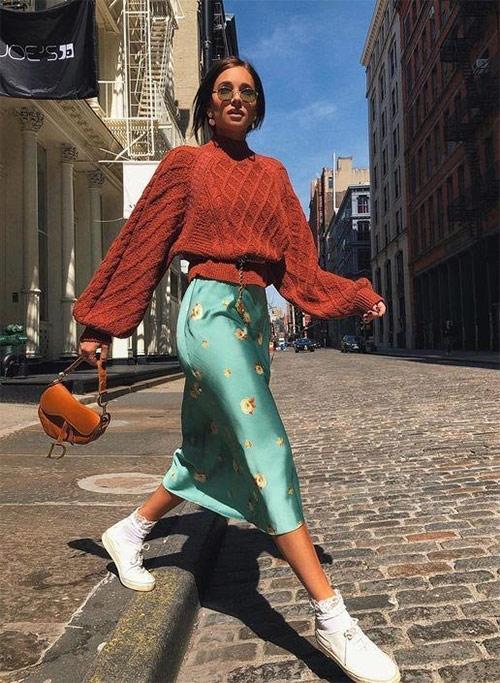 Шелковая юбка  + шерстяной свитер