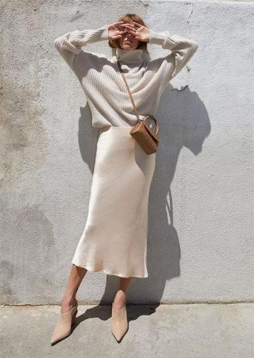 Шелковая юбка  + шерстяной свитер. Образ в монохроме