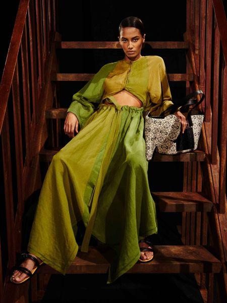 Зеленое легкое платье испанского бренда Loewe
