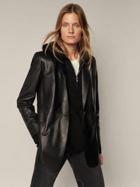Черная кожаная куртка Massimo Dutti