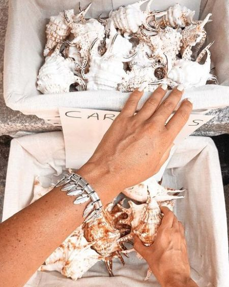 Браслет с перьями испанского бренда UNO de 50