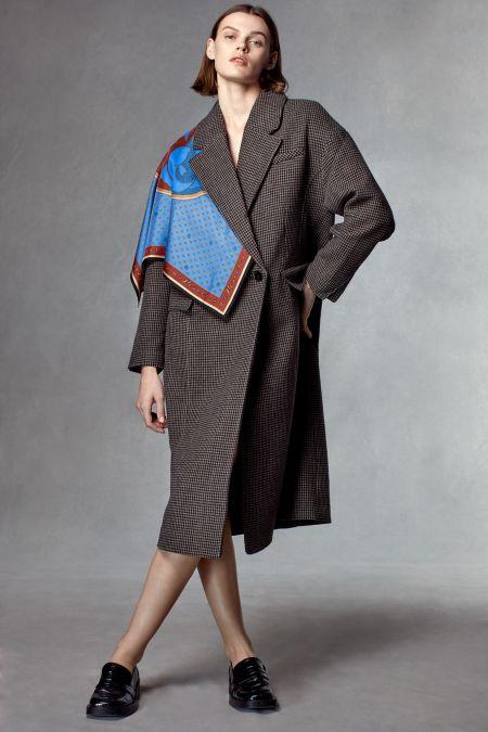Пальто с платком из коллекции испанского бренда Zara