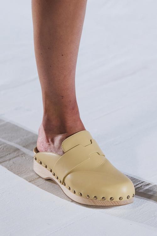 сабо модная обувь лето 2021