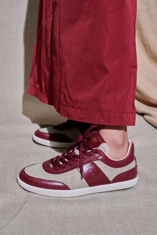 модные кроссовки весны 2021