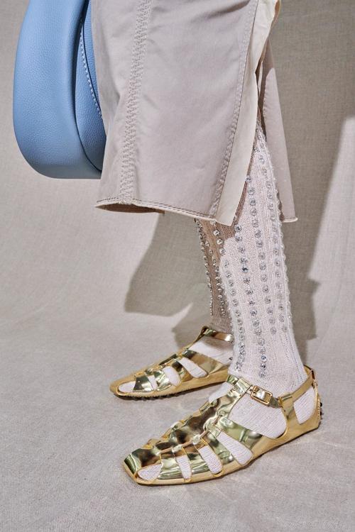 золото модная обувь 2021