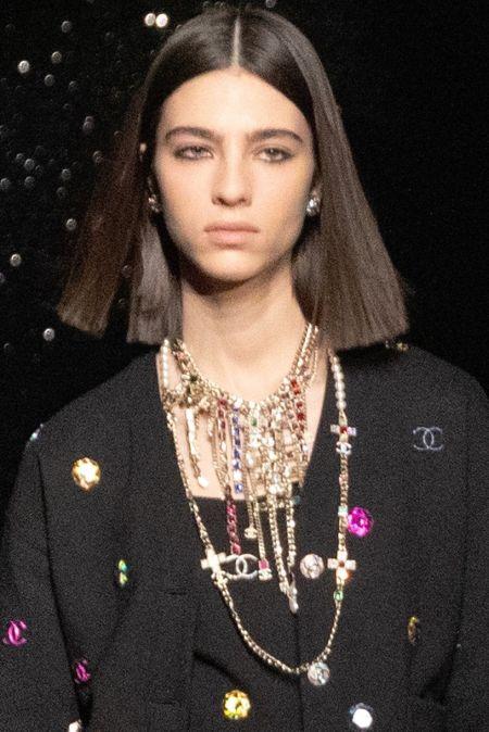 Колье с несколькими цепями из коллекции Chanel