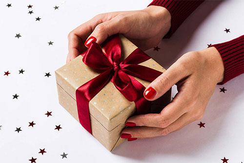Набор косметики в подарок. Интернет-магазин
