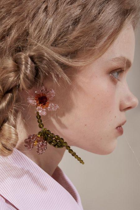 Серьги в виде цветка из бусин Simone Rocha