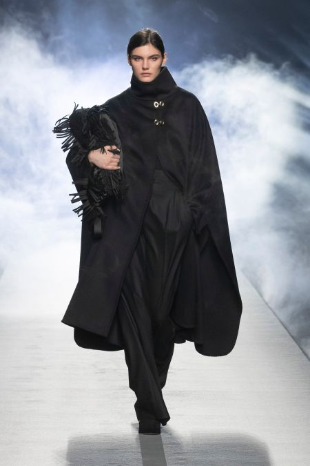 Бахрома на сумке - модные аксессуары осень-зима 2021 Alberta Ferretti
